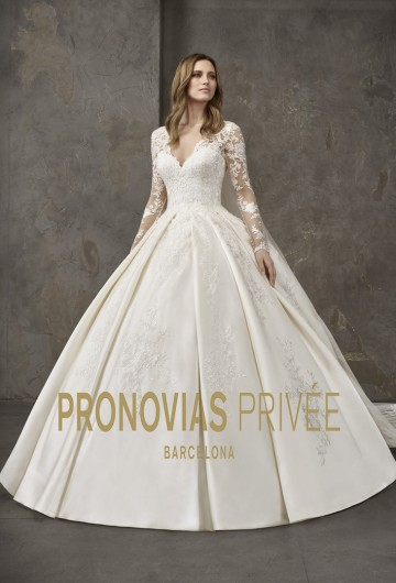 PRONOVIAS PRIVEE 2019 Salon Emma